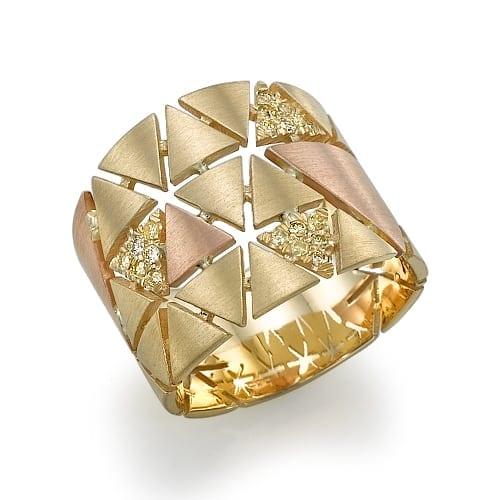 טבעת יהלומים בעיצוב גיאומטרי